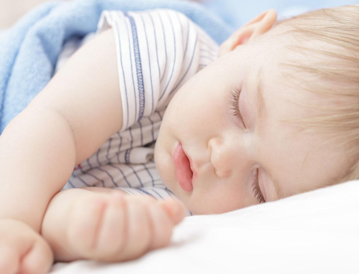 Durchschlafen – so verhelfen Sie Ihrem Kind zum gesunden Schlaf