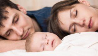Ein Betthupferl für Mama und Papa gegen Schlafmangel