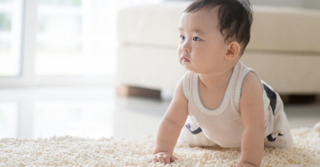 Baby krabbelt nicht