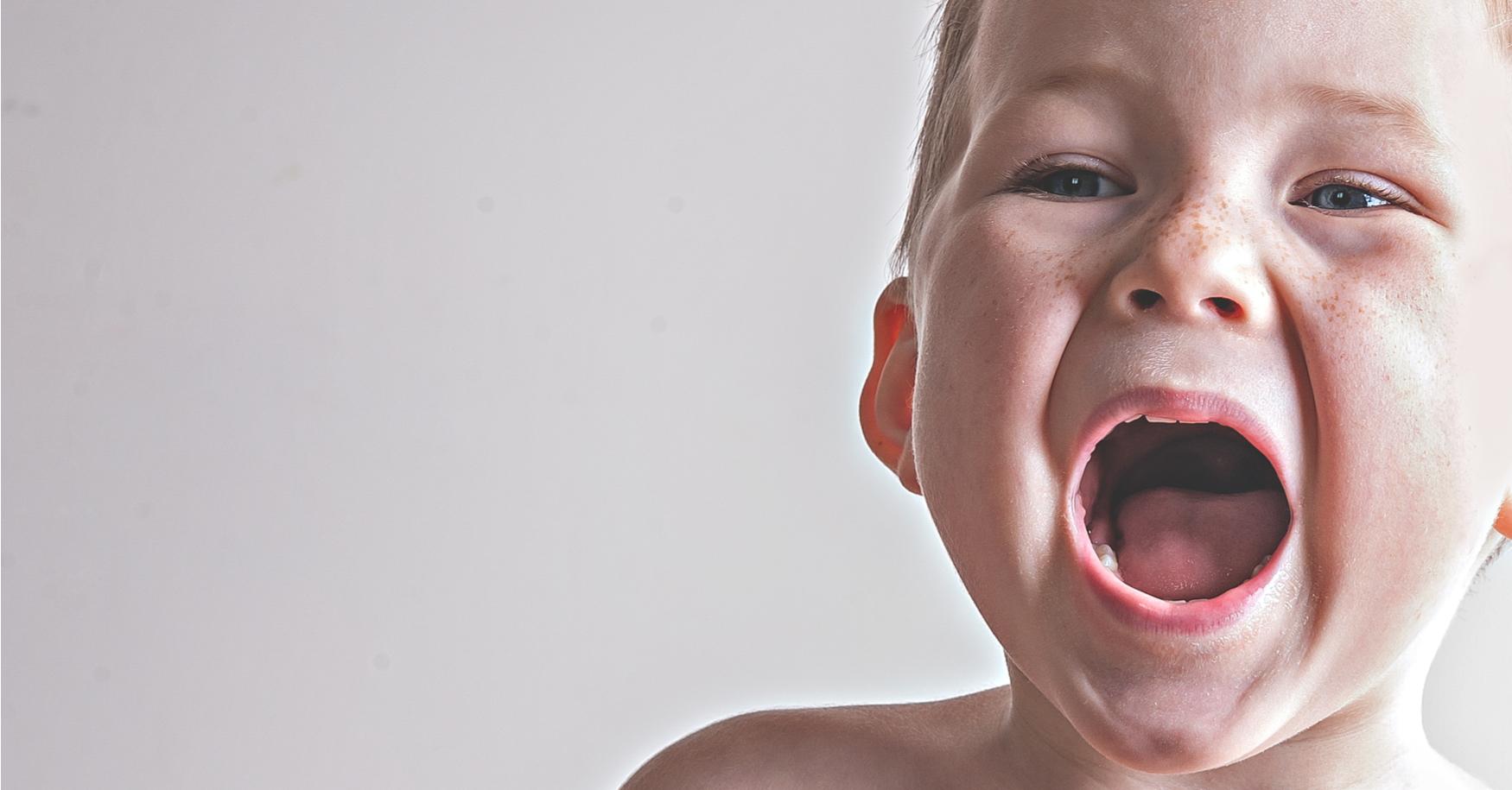 Kleinkind hat Wutanfall