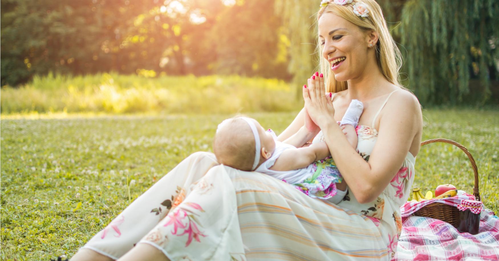 Mama singt Baby vor