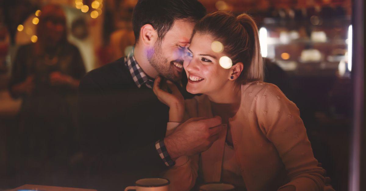 Paar genießt Romantik