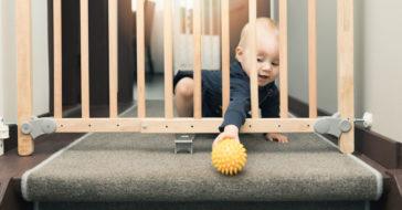 kindersicherheit im alltag baby treppenschutzgitter