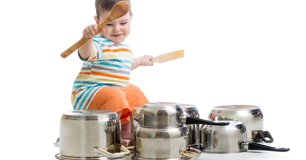 WIe und womit spielen Babys?