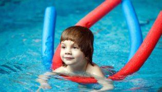 Schwimmnudeln als Schwimmhilfe?