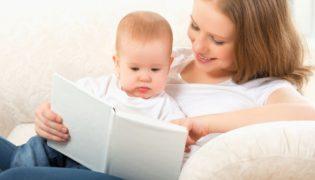Babys Bücher vorlesen
