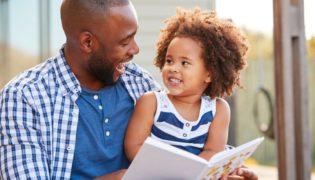 Mit Büchern Kinder fördern