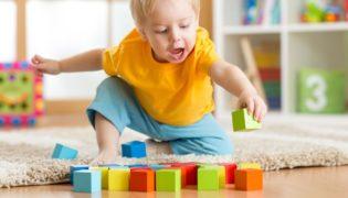 Passende Spielwaren für ein einjähriges Kind