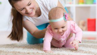 Krabbeln lernen: 4 Tipps für kleine Entdecker