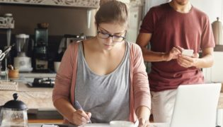 Der Familienfinanzplan – entspannt gespart