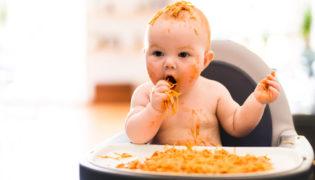 Ungeeignete Lebensmittel für Babys im ersten Jahr