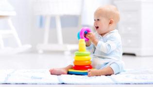 Das beste Spielzeug für Babys erstes Jahr