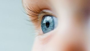 Die endgültige Augenfarbe beim Baby