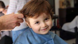 Haare schneiden bei Kindern